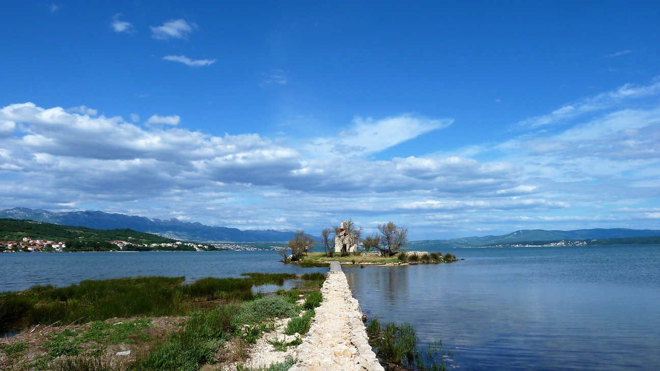 Überweg zur Insel mit der Heiliggeistkirche