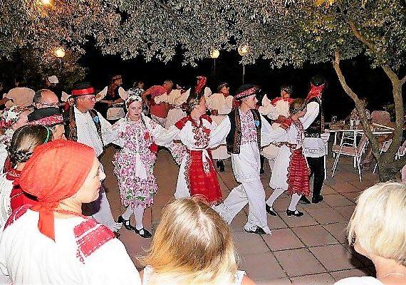 Traditioneller Abend mit Tanz & Live-Musik